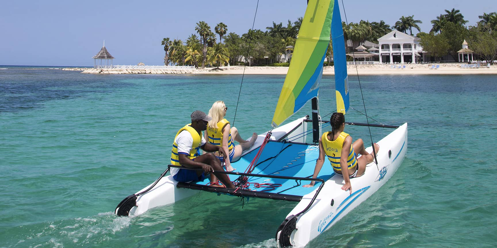 activity watersports boat04.jpg